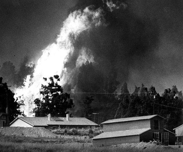 Photo Courtesy/City of San Bernardino 1980 Panarama fire seen here burning above Del Rosa.