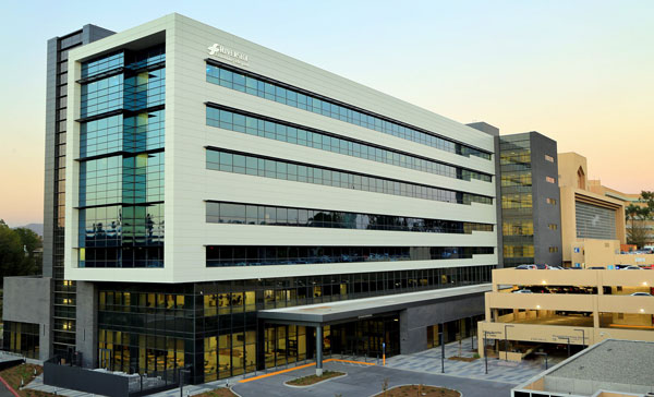 Riverside Community Hospital >> Riverside Community Hospital Becomes First Hospital On West